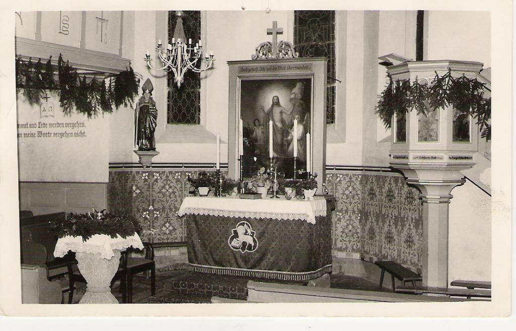 Kirche innen vor Renovierung